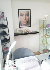 Salon Estetika Praha -gel lak
